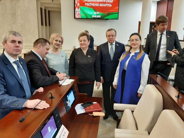 Участие в четвертом заседании пятой сессии Палаты представителей Национального собрания Республики Беларусь седьмого созыва 30 апреля 2021 года.
