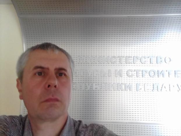 Перед рабочей встречей с Заместителем Министра архитектуры и строительства Республики Беларусь Ананичем А.И. по вопросам проектирования безбарьерной среды в городе Барановичи 16 июля 2020 года.